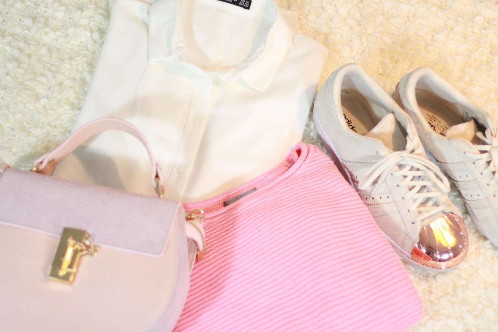 Adidas Superstars, Chloé Drew Bag von Loé Longbluse von Mango und Pullover von Cos