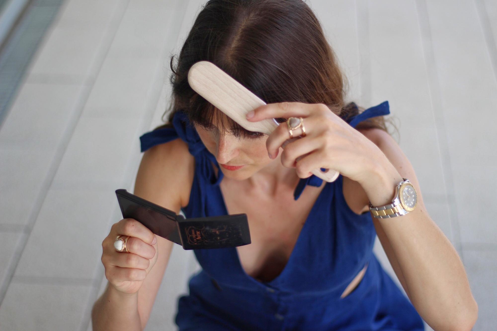 Cut Out Kleid von Zara in Midilänge kombiniert mit Céline Cabas Bag und Espadrilles Weges von H&M