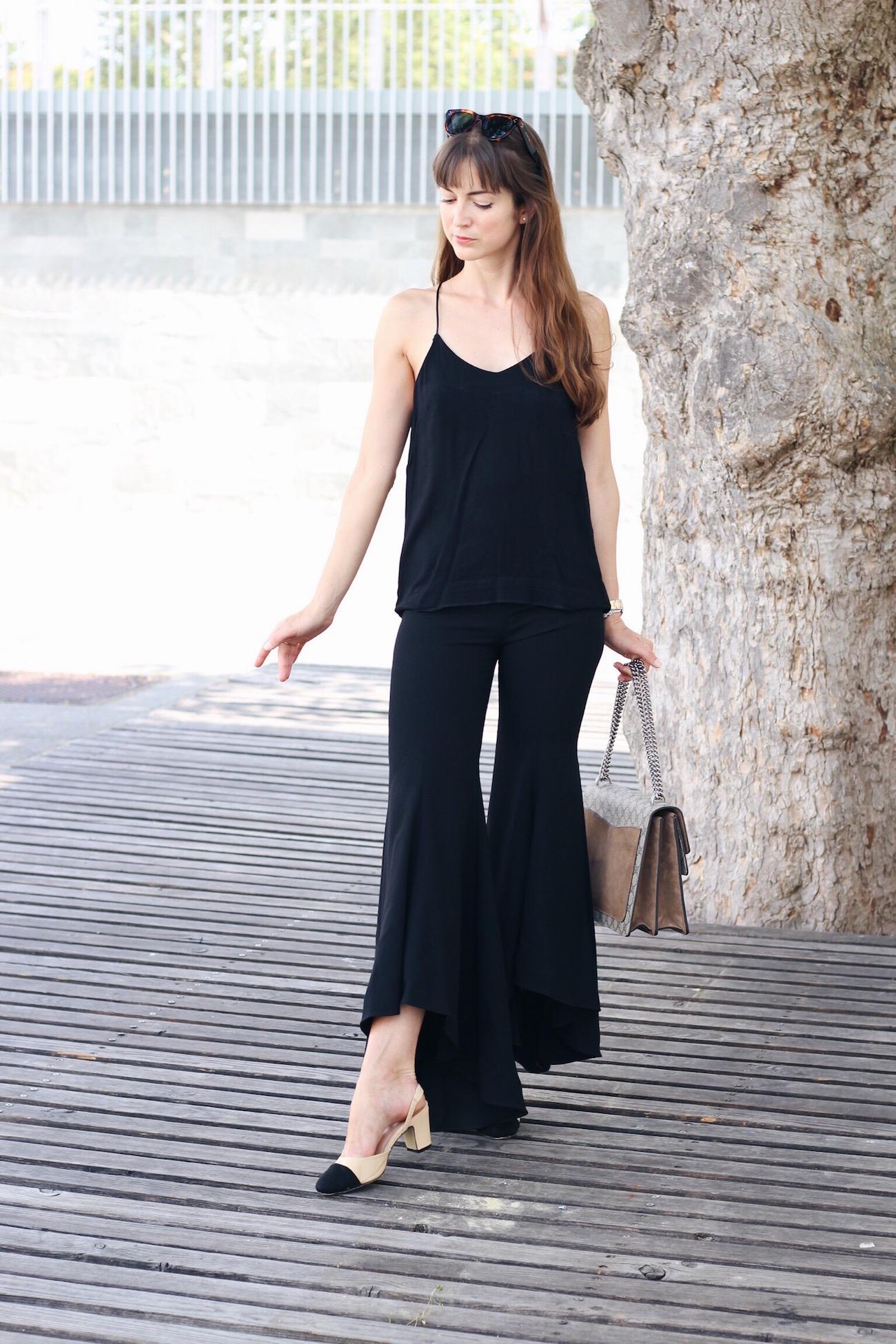 Schlaghose von Zara mit Volants Gucci Dionysus Bag Sonnenbrille von Céline für meinen Modeblog